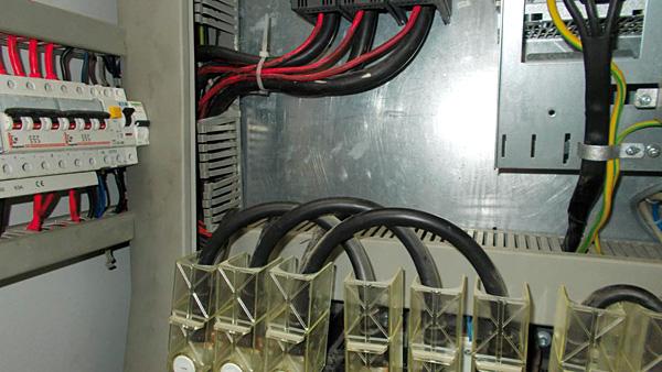 Okablowanie Helukabel w systemie elektrycznym DSS