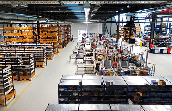 W 2015 roku firma SEW-Eurodrive Polska realizuje wdrożenia i optymalizację procesów w nowo rozbudowanej siedzibie. Zmiany dotyczą m.in. produkcji, serwisu i zarządzania magazynem