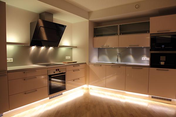 Rys. 2. Ledowe podświetlenie  mebli kuchennych
