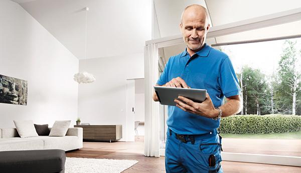 System Free@home instaluje i programuje się w łatwy i intuicyjny sposób, dzięki funkcji kreatora, do którego nie jest potrzebne żadne dodatkowe oprogramowanie. Pozwala to wielu elektrykom na łatwe podjęcie działalności w obszarze automatyki domowej