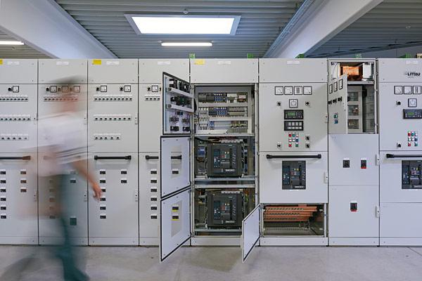 Firmy produkujące zestawy rozdzielnic niskiego napięcia muszą obecnie uwzględniać wymagania nowej normy IEC 61439-1