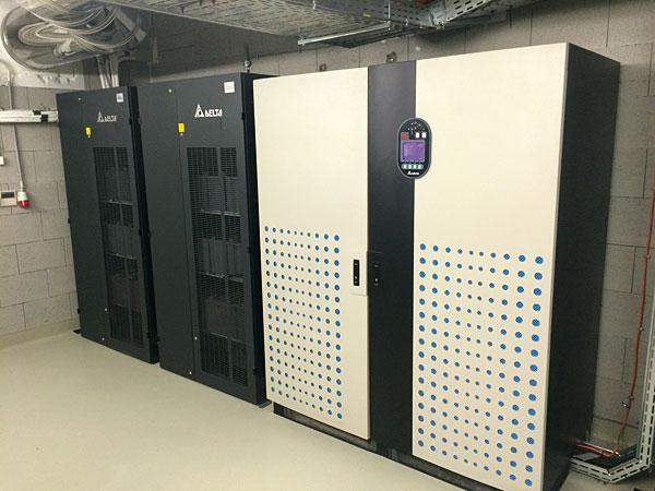 Rys. 2. System zasilania awaryjnego firmy Delta Electronics stanowi stabilne źródło energii przy wystąpieniu problemów z zasilaniem zewnętrznym. Instalacją i serwisowaniem zajmuje się lokalny partner – firma EZ Profinal